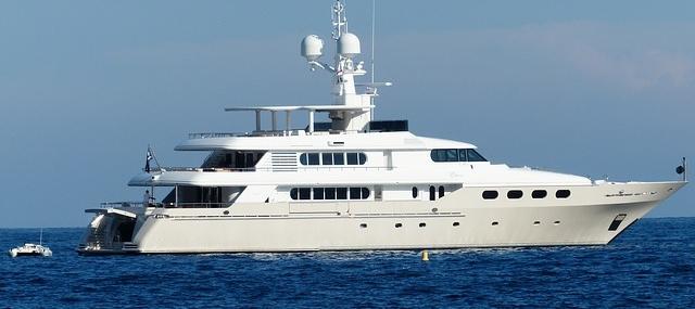 Pourquoi vous devez considérer une croisière en yacht : 5 raisons à connaître